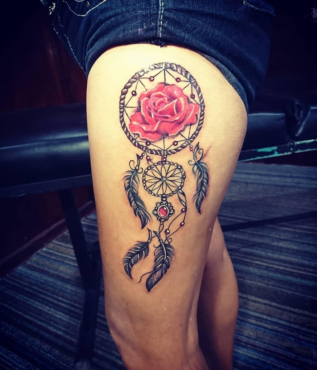 惠小姐大腿玫瑰捕梦网纹身图案